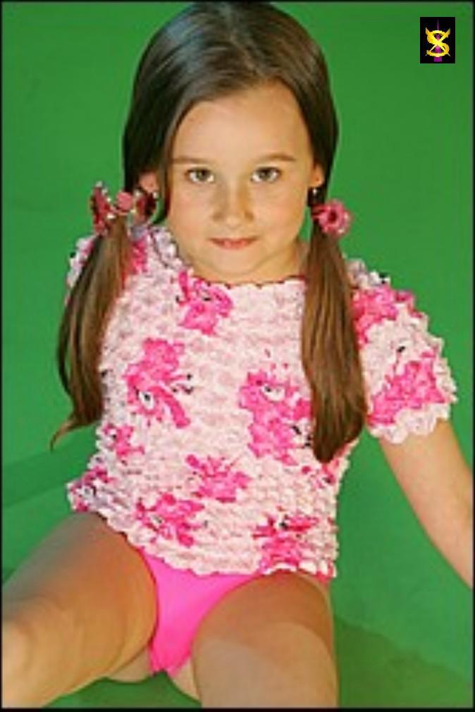 ModelDVD - Liz schoolgirl set No-Nude Sharechan
